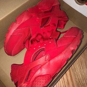 Red Hurrache NIKE
